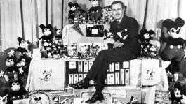 Close Up - Walt Disney (1)