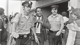2doc: Oj: Made In America - Oj: Made In America (4)