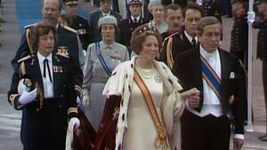 De zware jas van Beatrix