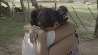 Isabel sluit haar familie na 35 jaar weer in haar armen