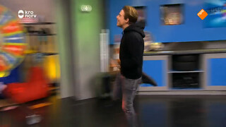 E-PLAYER KOEN WEIJLAND HINKELT DOOR DE STUDIO