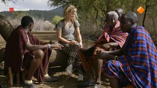 Nienke ontmoet een Masai met 40 vrouwen
