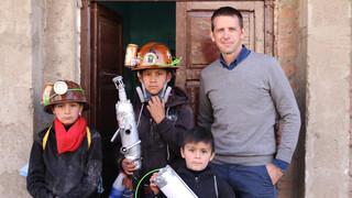 Over De Rug Van De Andes - De Berg Die Mannen Eet (bolivia)