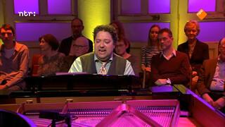 Mike Boddé zingt 'Zandkastelen'