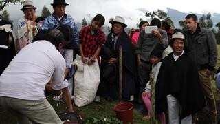 Over De Rug Van De Andes - Mijn Schoonmoeder Bleef Thuis (colombia En Ecuador)