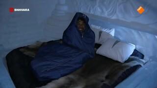 Maurice tukt in een ijshotel in Zweden