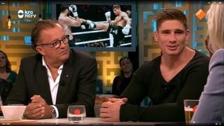Kickbokser Rico Verhoeven wint de Helden Sportboekprijs van het Jaar