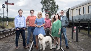 Boer zoekt Vrouw Internationaal Met wie stappen de boeren op de trein?