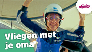 Kinderen voor Kinderen Pakt Uit Aflevering 6: Dewi's oma gaat skydiven & Live in Concert