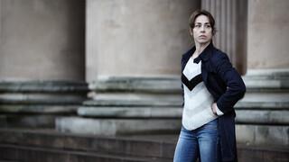 Kijk de Deense serie Forbrydelsen online op NPO Start Plus.