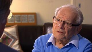 Jules Schelvis, de enige overlevende van het 14de transport naar het vernietigingskamp Sobibor.Een interview en een registratie van het laatste optreden.
