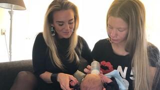 Vier Handen Op Eén Buik - Daphne & Monique Westenberg