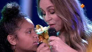 Jacobine op Zondag Trijntje Oosterhuis zingt voor haar vader Huub Oosterhuis - deel 4