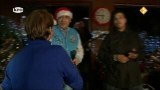 De Wandeling Daklozen zingen kersthit