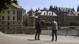 Achter de dijken God, Nederland en Oranje