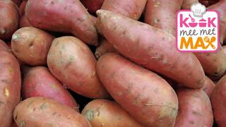 Kook mee met MAX Moussaka met zoete aardappel
