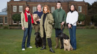 Stacey Dooley - Stacey Dooley Sleeps Over: Landed Gentry