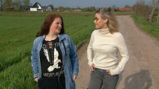 Vier Handen Op Eén Buik - Jennifer En Victoria Koblenko