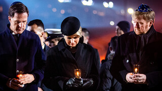 Blauw Bloed Royals herdenken Auschwitz