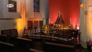 Viering ter afsluiting van de gebedscirkel Biddend Verbonden vanuit de Sint-Janskathedraal in Den Bosch. Voorganger: Mgr. G.J.N. de Korte.