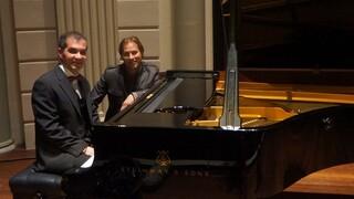 De Wandeling Vluchteling schittert op piano