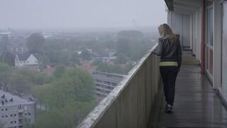 2Doc: Moeders springen niet van flats