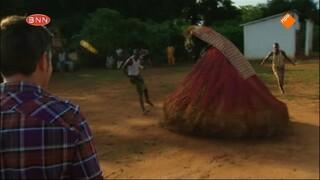 Spuiten En Slikken Op Reis - Benin & Frankrijk