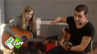 Nielson en zangeres Noa in Zapp Music Challenge