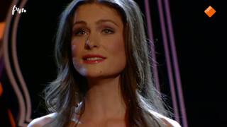 Charlotte Houberg zingt Ave Maria