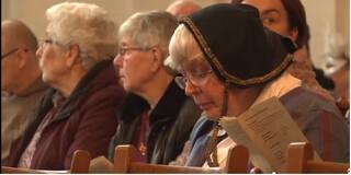 NPO Spirit reportages Middeleeuwse kerkdienst