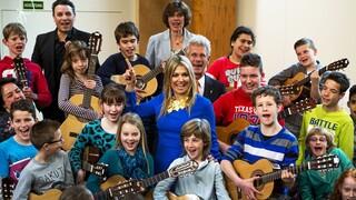 Blauw Bloed - Koningin Máxima Maakt Muziek Met Kinderen