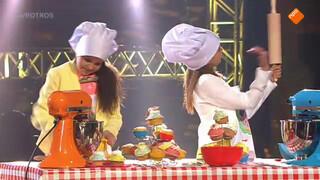 Optreden Yasmin & Abigail