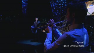 Floris Onstwedder speelt 'Taptoe'