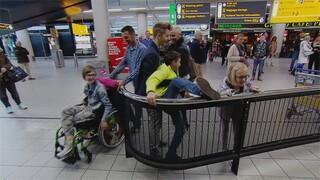 Labradoodle komt aan op Schiphol