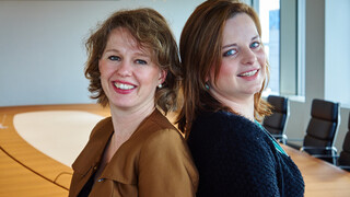 Bonte Vrouwen - Annemarie Creuzberg En Maartje Govaert