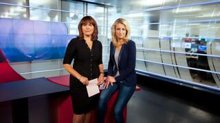 Decor NOS Journaal, Astrid KersseBoom en Dyonne Stax