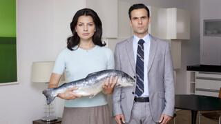 KORT! : Je vriendin koopt een vis op de markt