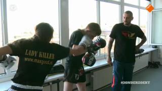 Welkom in de bizarre wereld van MMA-meisjes