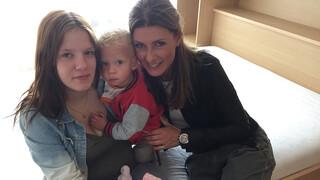 Vier Handen Op Eén Buik - Yvanka & Euvgenia Parakhina