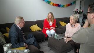 Spoorloos Na 48 jaar eerste bezoek vader op verjaardag Angelique
