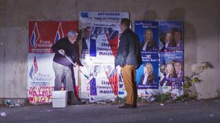Op pad met de posterplakker van Front National