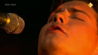 Douwe Bob zingt Icarus