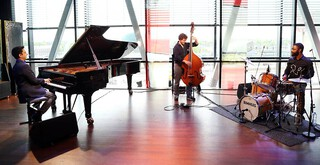 Vpro Vrije Geluiden - Vijay Iyer Trio, Iberi Choir Georgie, Moyseis Marques