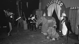 Andere Tijden Circus Elleboog