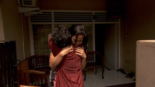 De ontmoeting tussen Sitih Aminah en Desi