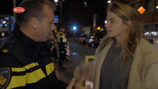 Emma loopt mee met de politie