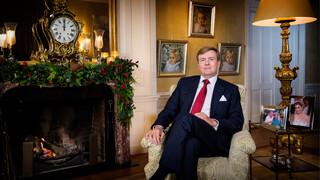 Kersttoespraak Koning Willem-alexander Met Gebarentolk - Kersttoespraak Koning Willem-alexander Met Gebarentolk