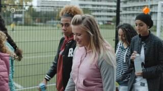 Voetbalmeisjes Malou