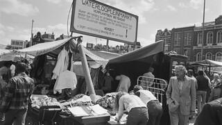Andere tijden 2016 Het einde van het Waterlooplein?