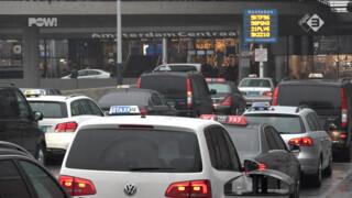 PowNews Taxichauffeurs leggen werk neer